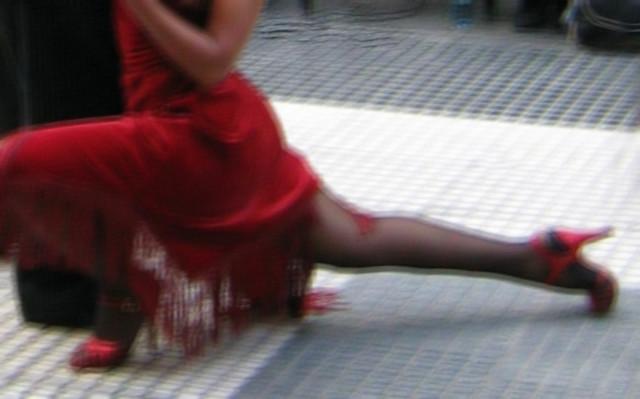 tango arisco en tinta roja
