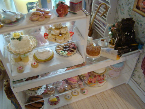 Miniature Buttercup Bakery