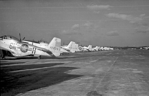 P51s parked 34 02