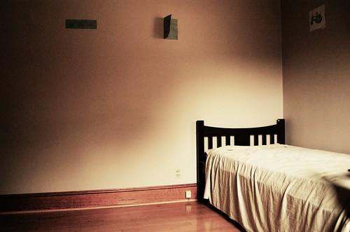 bed in corner