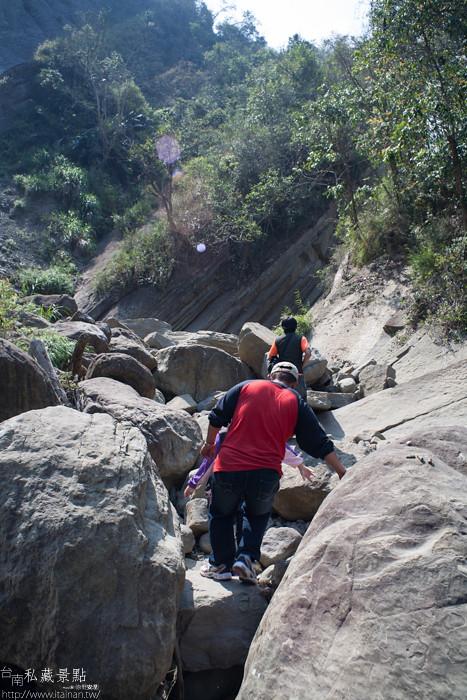 台南私藏景點--關山千層岩瀑布、幽情瀑布 (17)