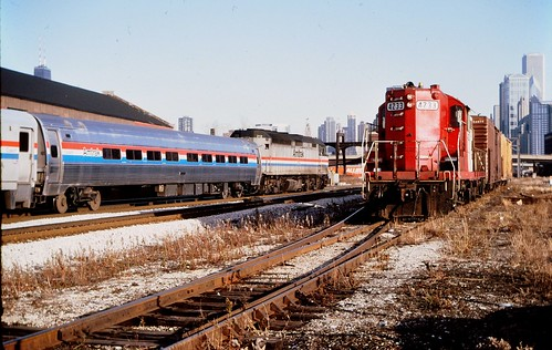 SOO LINe GP-9 with Amtrak Racine Ave ,