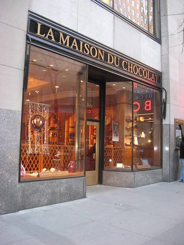 maison du store good la maison du chocolat wish they had a store here in california with maison. Black Bedroom Furniture Sets. Home Design Ideas