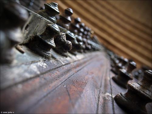 door wood old brown macro portugal beautiful metal closeup dof arty metallic quality perspective nopeople olympus oldcity evora évora e510 bigmomma julioc challengeyouwinner photographybyjulioctheblog olympuse510 ilustrarportugal sérieouro ilustrarportugal200810evora j1024