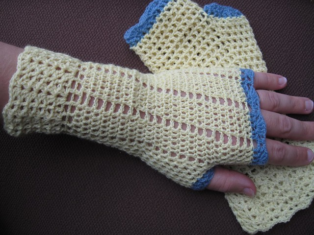 Crochet Lace Fingerless Mitts Crochet Pattern | Red Heart