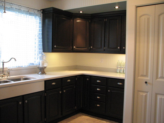 painting oak kitchen cabinets espresso painting oak kitchen cabinets with espresso brown kitchen 24519