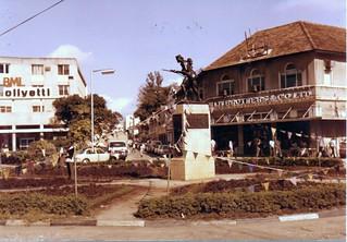 Askari Monument जवळ दार अस सलाम की छवि. tanzania daressalaam askarimonument