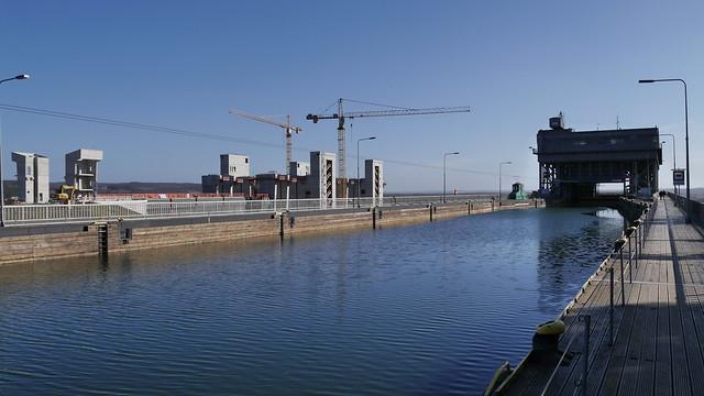 Altes und neues Schiffshebewerk Niederfinow
