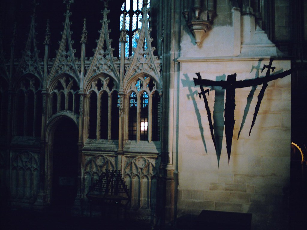 Book 1 Walk 28 Chilham to Canterbury Scene of Murder Of Becket In The Cathedral, Canterbury. D.Allen VIVITAR 5199mp