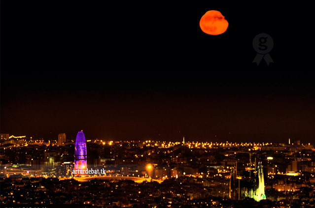 Moonrise on Barcelona