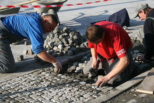 Laying cobblestone