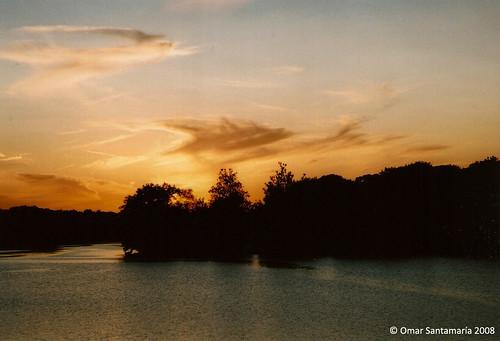 sunset lake clouds mi lago atardecer us eu nubes livonia filmcameras canoneosrebelk2 platinumphoto solofotos omarsan cámarasderollo