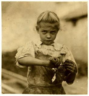 Lewis Hine: 7-year old Rosie, oyster shucker, Bluffton, South Carolina, 1913