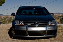 automobile, automotive exterior, wheel, volkswagen, vehicle, automotive design, volkswagen golf variant, volkswagen r32, volkswagen gti, volkswagen golf mk5, city car, bumper, land vehicle, luxury vehicle,