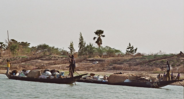 Traffic on Niger River - Mali