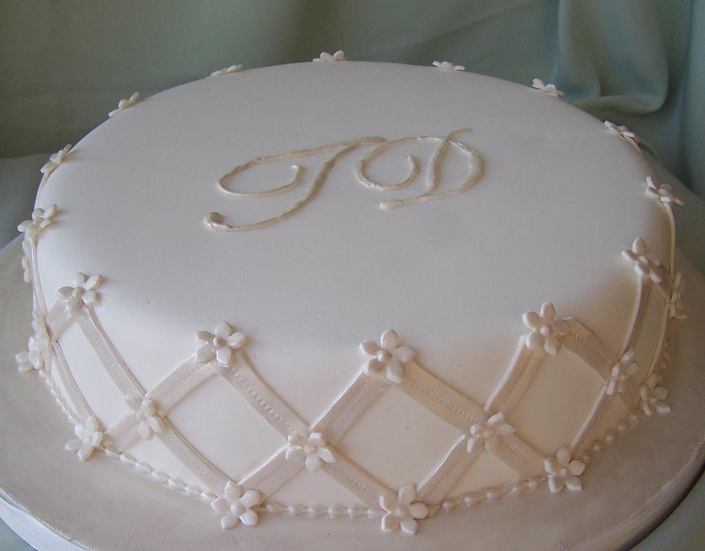 Monogram Wedding Cake Single Tier Wedding Cake With Couple Flickr