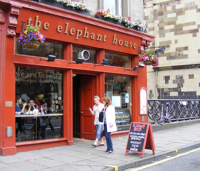 Elephant House Cafe by flickr user dickpenn