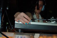 pianist(0.0), singing(0.0), music(1.0), entertainment(1.0), disc jockey(1.0), recording(1.0),
