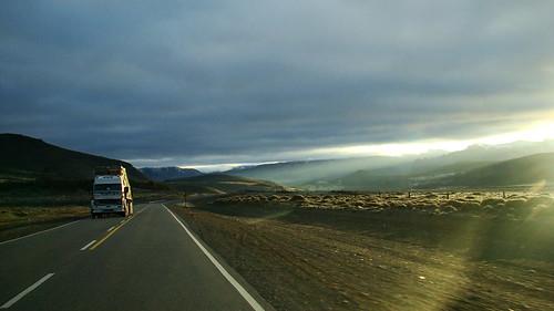 road patagonia mountains argentina ruta truck sunrise day carretera cloudy sony route amanecer camion estrada andes montañas neuquen rodovia 阿根廷 sonyh9