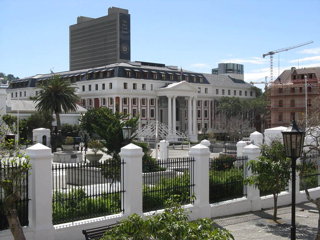 Cape town presidential palace celebrity houses and for Homes for the rich