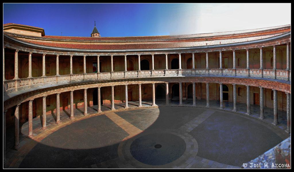 Patio Del Palacio Del Emperador Carlos V. (Recomiendo Verla En Grande)