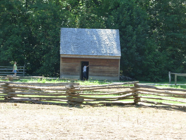 Small Farm Building Near The Barn At Mt Vernon Flickr