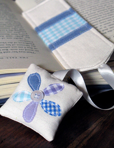 Blue/lavender daisy bookmark by apple cottage company