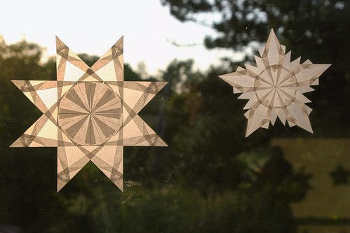Paper Snowflake 6 Photos | Two White Window Stars | 609