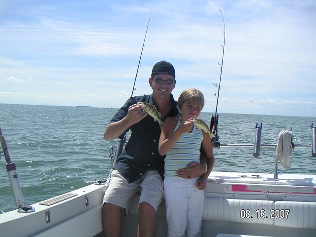 Lake erie perch fishing aboard the stray cat luna pier mi for Lake erie pier fishing