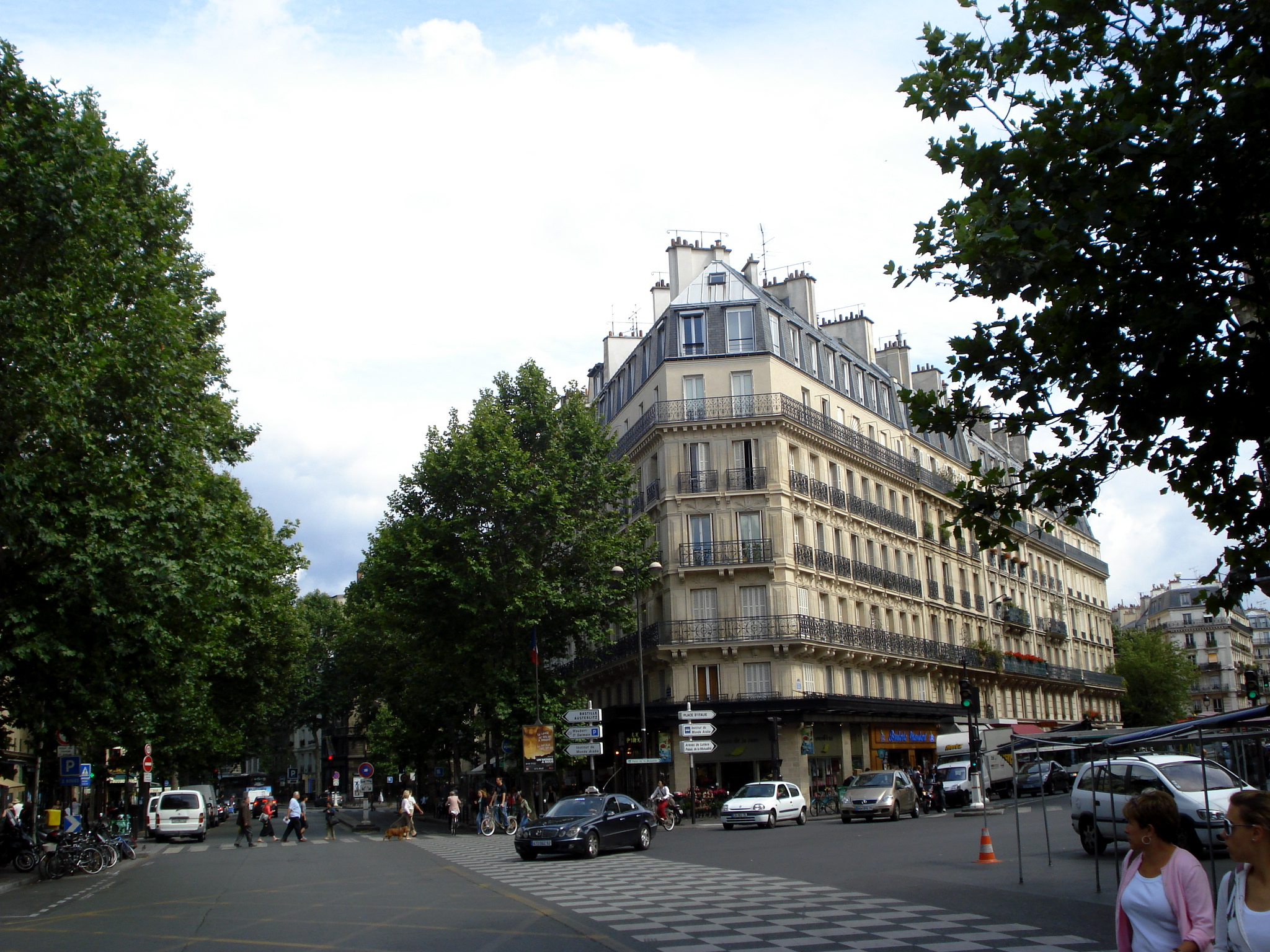 boulevard saint germain et la rue monge explore carles tom flickr photo sharing. Black Bedroom Furniture Sets. Home Design Ideas