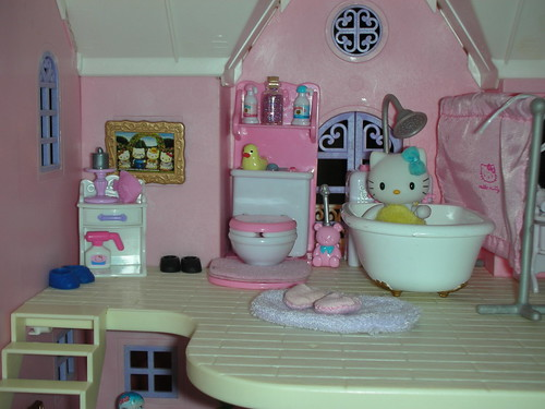 hello kitty deluxe dollhouse bathroom a photo on flickriver. Black Bedroom Furniture Sets. Home Design Ideas