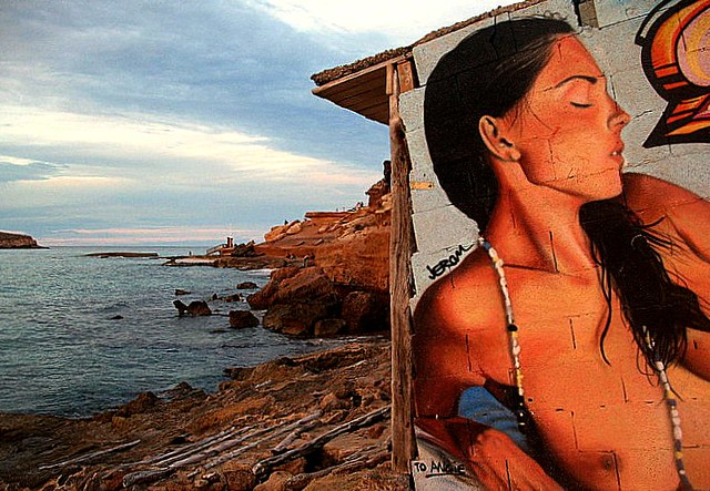 Grafitti junto al mar