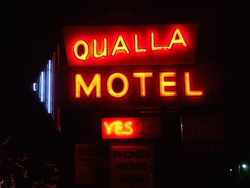 Qualla Motel Neon