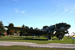 Douglas C-47 Dakota 2
