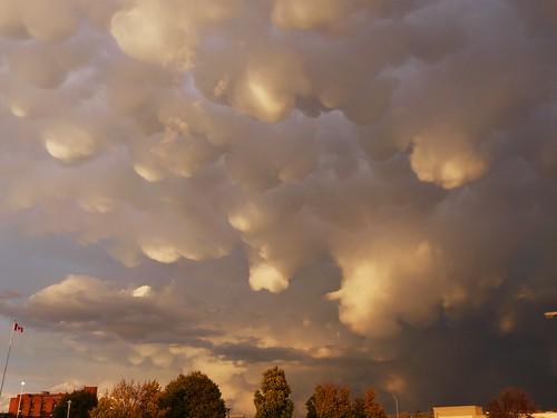 sky clouds landscapes scenery wicked 14k soe brantford naturesfinest mammatusclouds justclouds anawesomeshot ultimateshot damniwishidtakenthat
