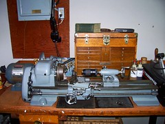Craftsmen lathe to make press parts