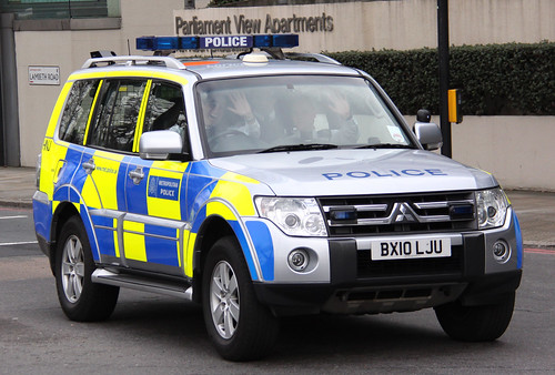Metropolitan Police Roads Policing Unit Mitsubishi Shogun Traffic Car - BX10 LJU