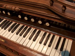 celesta, piano, musical keyboard, keyboard, fortepiano, harmonium, spinet, player piano, electronic instrument,