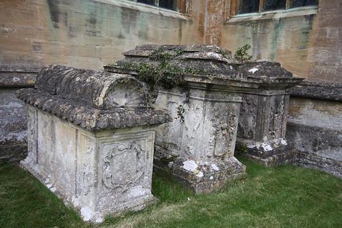 Fairford, Morgan Monuments
