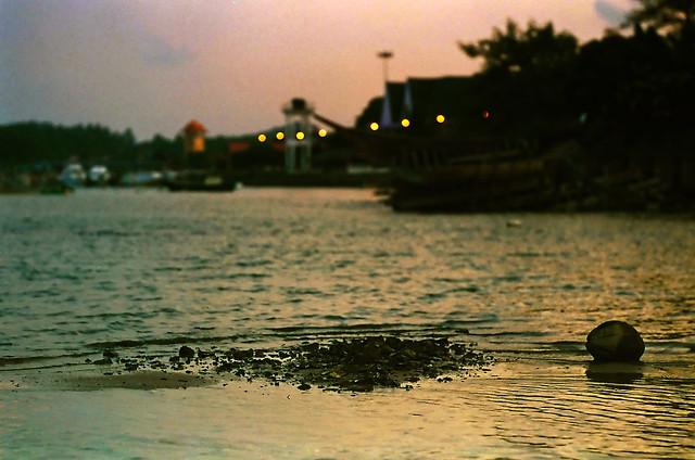 Glowing sunset in Kuala Marang (58830019)