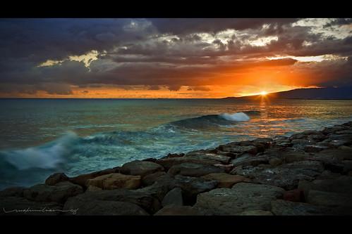 ocean sunset clouds hawaii waves oahu horizon explore shore honolulu kakaakopark lavabed vosplusbellesphotos kaka'akopark