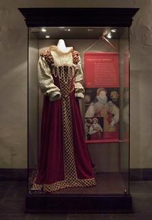 Anne Hathaway Gallery