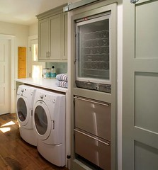 kitchen(0.0), floor(1.0), room(1.0), laundry room(1.0), cabinetry(1.0), laundry(1.0),