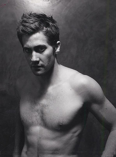 Jake Gyllenhaal (naked). OMG !!! No comments from me in this !