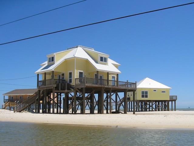 Modular home modular homes built on stilts for Modular homes on stilts