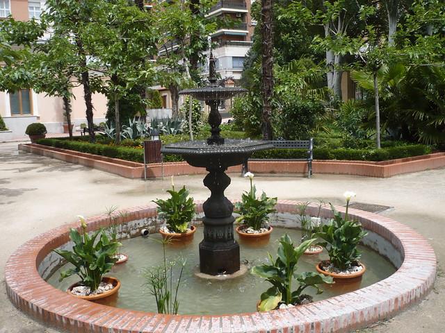 Alcal de henares quinta de cervantes fuente del jard n for Cementerio jardin de alcala de henares