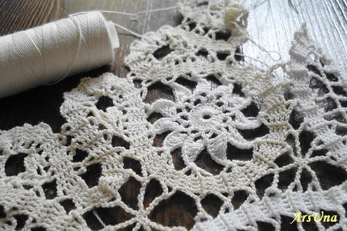 Bruges Crochet http://www.flickr.com/photos/21665768@N05/2709421357/
