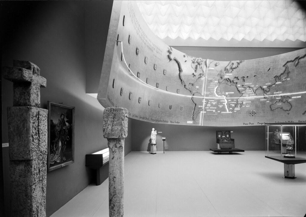 Exposição «30 anos de Cultura Portuguesa: 1926-56», Lisboa (M. Novais, c. 1957)