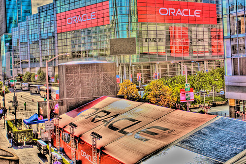 moscone west and howard street tent