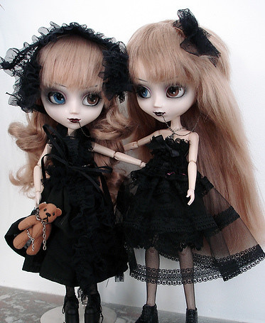 Lovely gothic pullip dolls by Natasja_75